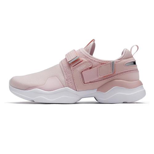 特步982318529105女子跑步鞋