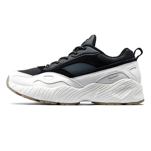 特步882418329556女子跑步鞋