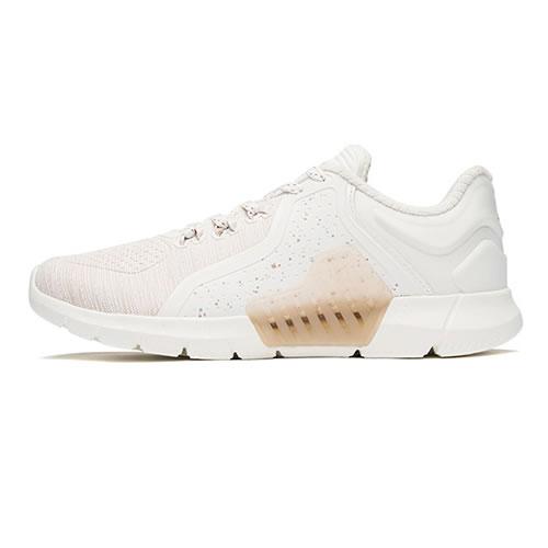 特步982418110151女子跑步鞋