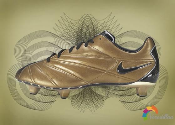 传奇创新历程:耐克Mercurial系列足球鞋盘点图2