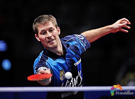 乒乓球横拍反手技术图解及注意事项图3