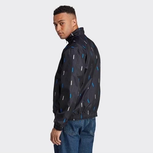阿迪达斯曼联天然红男子短袖足球服图3高清图片