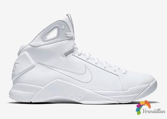 Nike Hyperdunk Triple White,经典之作纯色回归