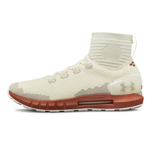 安德玛3020353 HOVR女子跑步鞋
