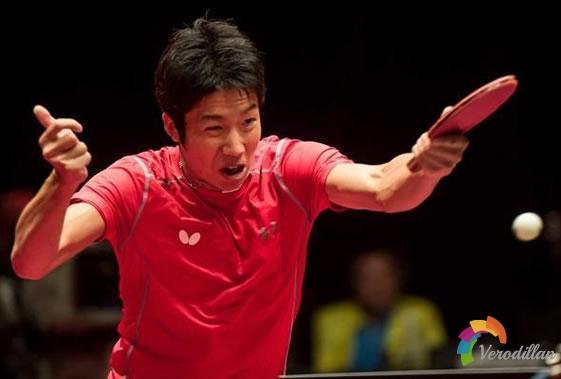 乒乓球反手发右侧上下旋实战技巧方法