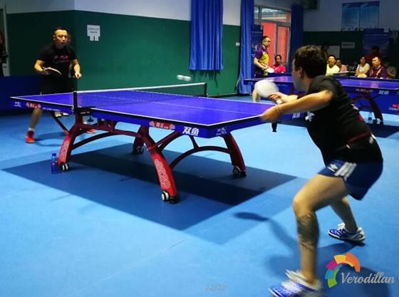 乒乓球初学者如何练习掌握弧圈球技术