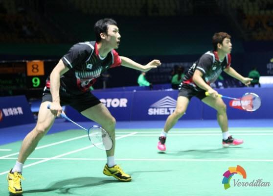 羽毛球双打如何加强攻防能力,减少失误
