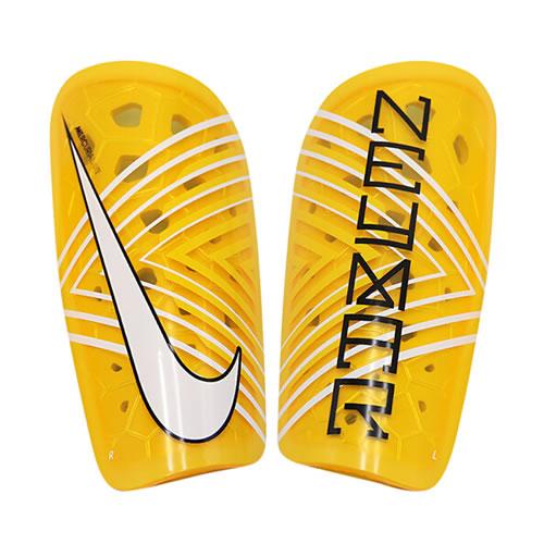 耐克SP2136足球护腿板