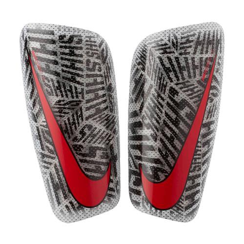 耐克SP2169足球护腿板