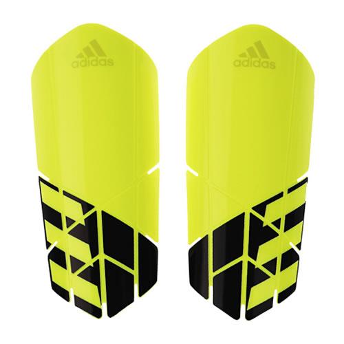 阿迪达斯CW9717足球护腿板