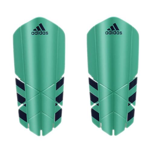 阿迪达斯CF2413足球护腿板