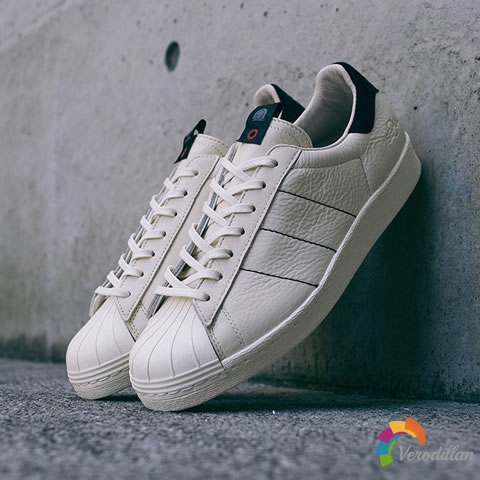神鞋加持:KASINA x ADIDAS ORIGINALS混血SUPERSTAR 80S