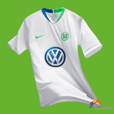 踏上新征程:沃尔夫斯堡2018/19赛季主客场球衣