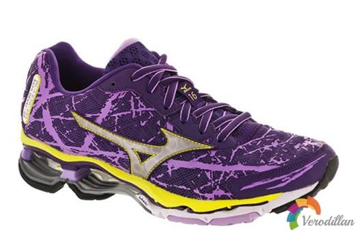 Mizuno Wave Creation 16支撑跑鞋,水墨画泼墨设计风格