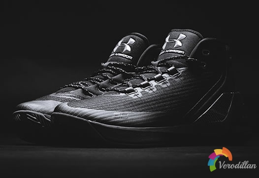 致命黑魂:UNDER ARMOUR CURRY 3 TRIFECTA BLACK全新配色