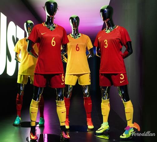耐克发布中国女足国家队2016赛季主客场球衣
