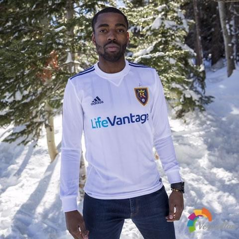 极简设计:皇家盐湖城2017赛季客场球衣