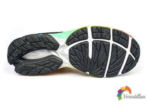 简约精炼:Mizuno WAVE RIDER 23专业跑鞋开箱报告图3