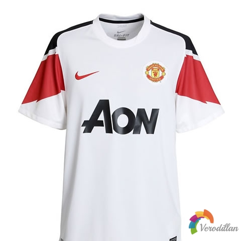 曼联官方公布2010/11赛季客场球衣