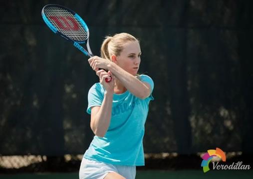 解读网球赛前热身方式之小场对拉