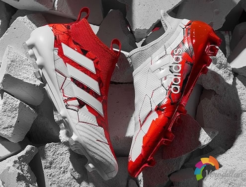 阿迪达斯推出限量联合会杯足球鞋套装