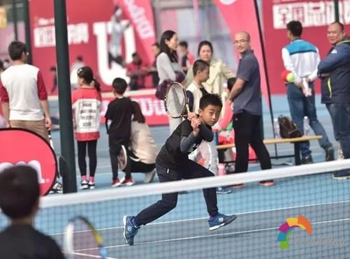 如何选购一把合适的儿童和青少年网球拍