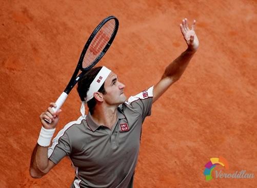 网球高压球与羽毛球杀球有什么区别