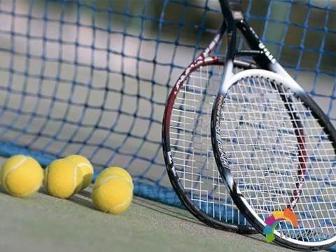 网球拍使用软球弦有什么好处