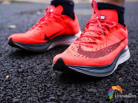 Nike Zoom Vaporfly 4%/Zoom Fly深度对比测评
