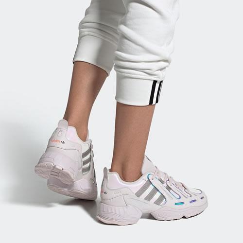 阿迪达斯EE7409 EQT GAZELLE W女子运动鞋图5高清图片