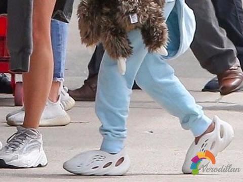 造型独特:Yeezy又一新鞋型谍照曝光