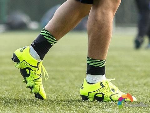 真皮控首选:adidas X15.1 Leather HG性能测评图2