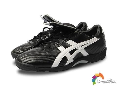 亚瑟士TST656 2002顶配版碎钉TF足球鞋简要测评