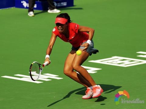 面对陌生对手,业余网球选手如何赢得比赛