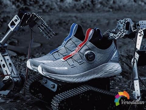 安踏NASA跑鞋