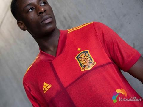 西班牙国家队2020年欧洲杯主场球衣,以手绘艺术为特色
