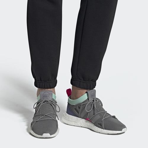 阿迪达斯BD8072 ARKYN W女子运动鞋图5高清图片