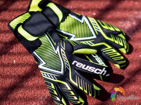 全新科技打造:Reusch Freccia门将手套