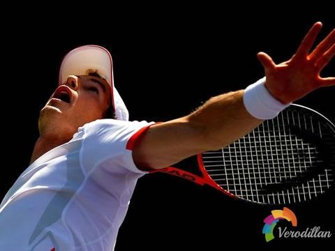 业余玩家练习网球发球需要注意哪些细节