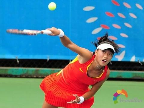 六大要点掌握网球侧旋发球技术