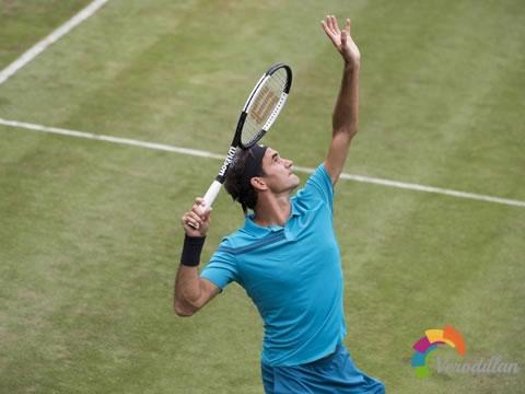 网球发球挥拍如何做到张弛有度