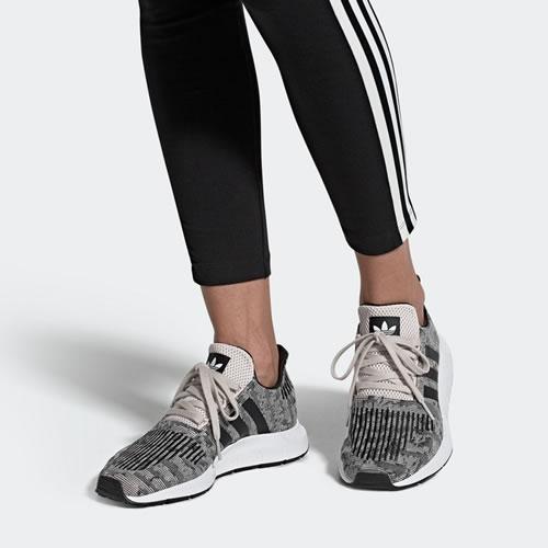 阿迪达斯EE4551 SWIFT RUN W女子运动鞋图6