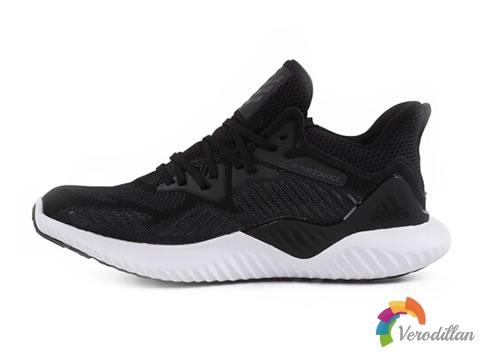 黑白简约风:阿迪达斯Alpha Bounce小椰子运动鞋