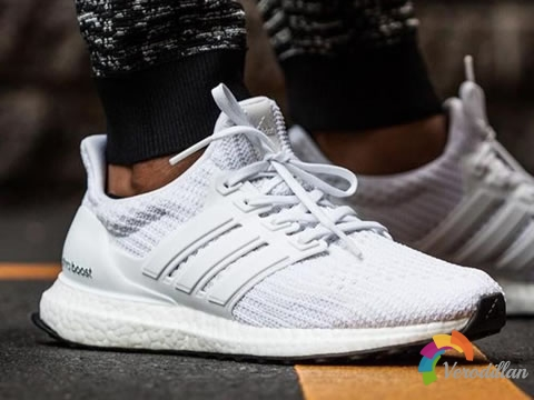 Adidas ULTRABOOST爆米花底,定义跑鞋新革命