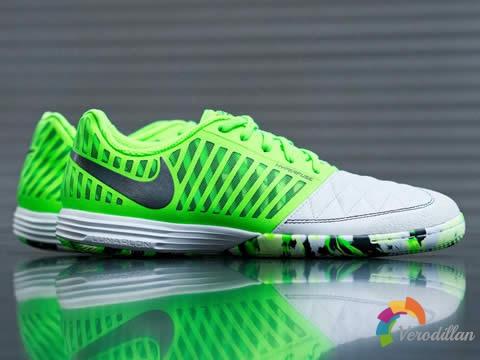 耐克Lunar Gato II小场足球鞋迎来白/电光绿/黑配色