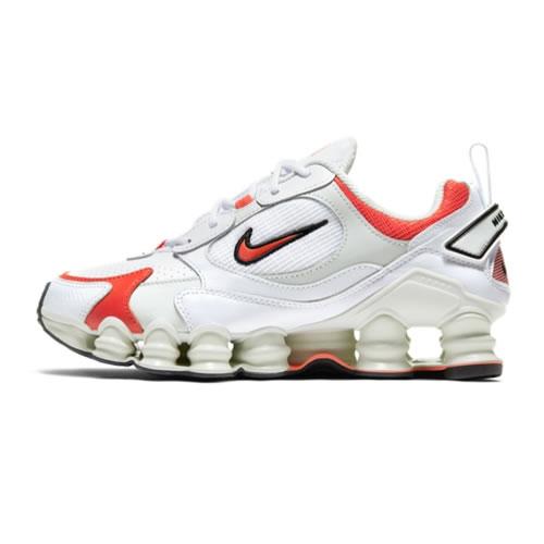 耐克AT8046 SHOX TL NOVA女子运动鞋图1高清图片