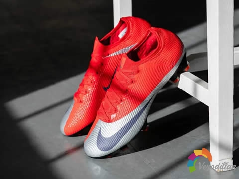 Nike Mercurial Vapor 13 Future DNA,怀旧与性能完美融合
