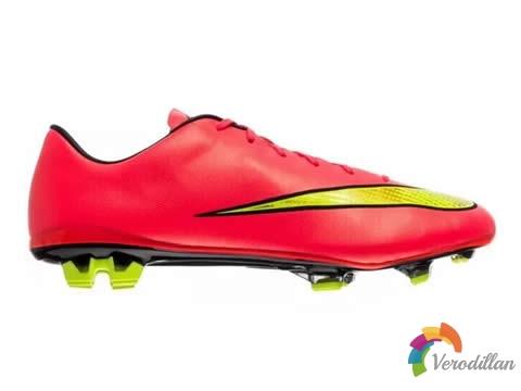 完美的刺客阵容:耐克Mercurial Vapor X足球鞋各等级盘点