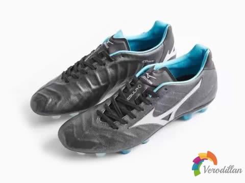 日本制造原汁原味:美津浓REBULA V1足球鞋