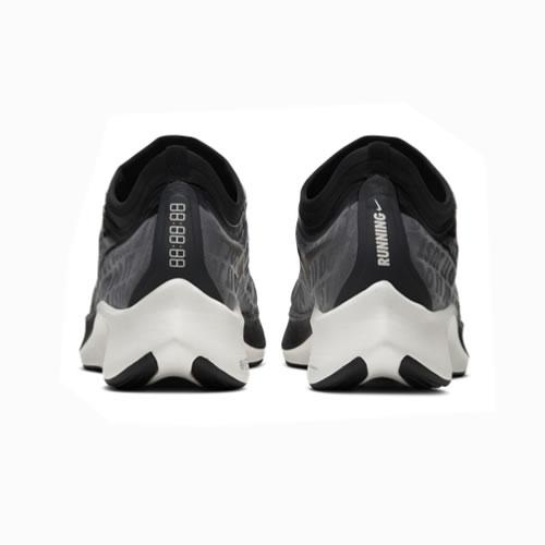 耐克AT8241 ZOOM FLY 3女子跑步鞋图3高清图片
